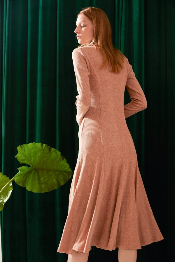 SKYE modern minimalist women fashion long sleeve fitted dress with flare apricot 5