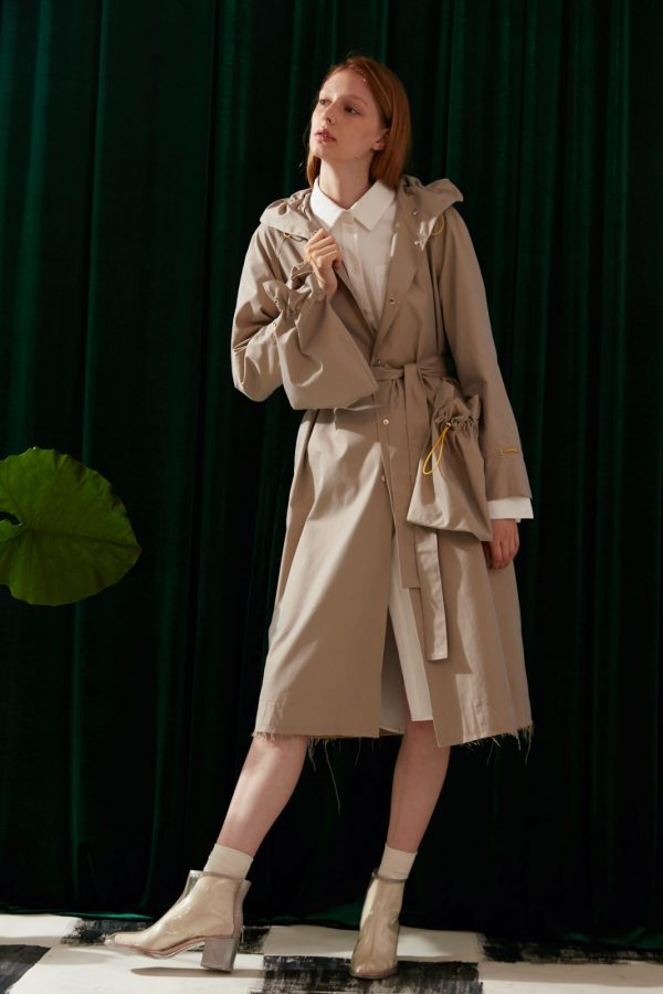 SKYE modern minimalist women fashion trench coat with removable pockets beige 2