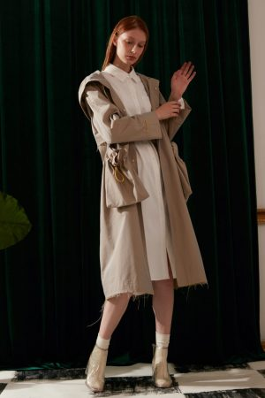 SKYE modern minimalist women fashion trench coat with removable pockets beige 3