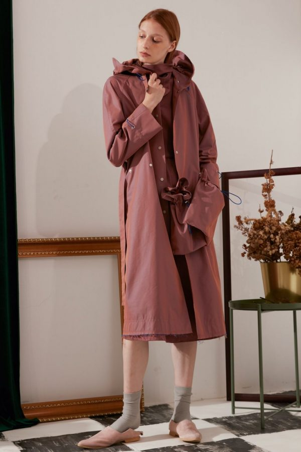 SKYE modern minimalist women fashion trench coat with removable pockets maroon 3