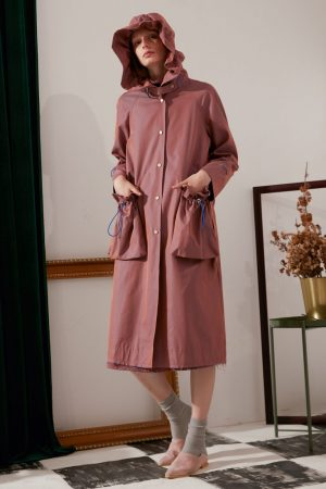 SKYE modern minimalist women fashion trench coat with removable pockets maroon