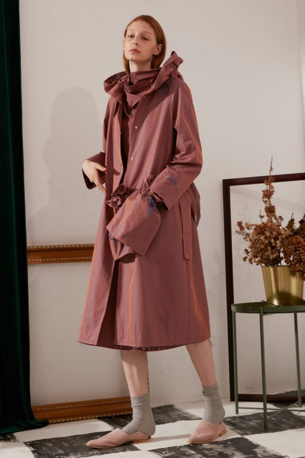 SKYE modern minimalist women fashion trench coat with removable pockets maroon 4
