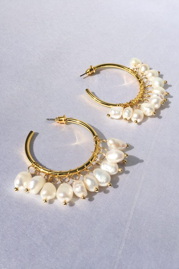 SKYE modern minimalist women fashion accessories Elia 18K Gold Freshwater Pearl Hoop Earrings 3