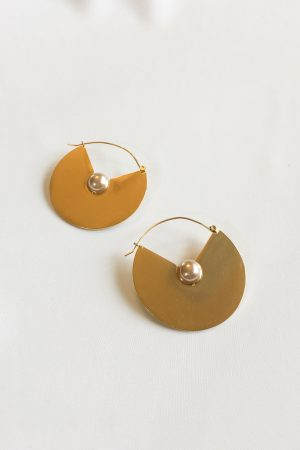SKYE modern minimalist women fashion accessories Chevelle 18K Gold Pearl Earrings