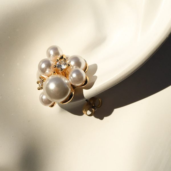 SKYE San Francisco SF ethical sustainable modern minimalist women fashion accessories Aurore 18K Gold Pearl Earrings 4