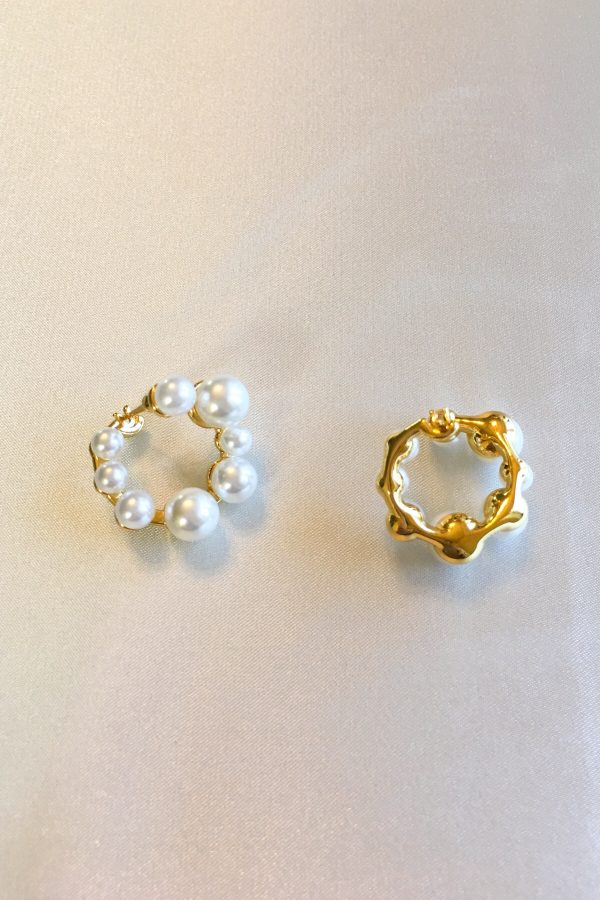 SKYE San Francisco SF ethical sustainable modern minimalist women fashion accessories Odette 18K Gold Pearl Earrings 2