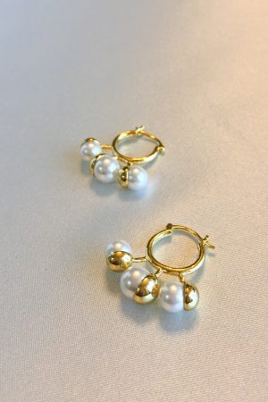 SKYE San Francisco SF ethical sustainable modern minimalist women fashion accessories Reine 18K Gold Pearl Earrings 2