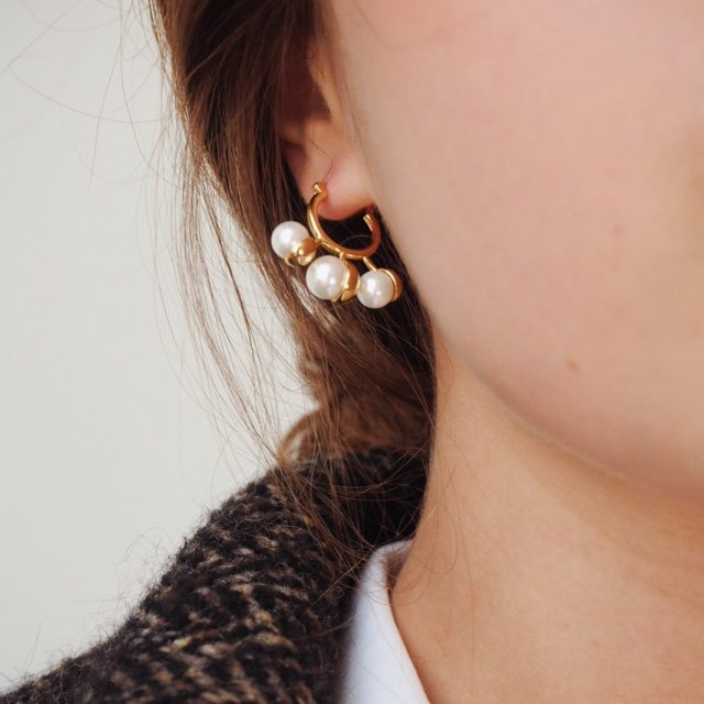 SKYE San Francisco SF ethical sustainable modern minimalist women fashion accessories Reine 18K Gold Pearl Earrings 3