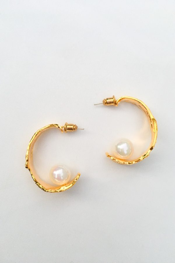 SKYE San Francisco SF California shop ethical sustainable modern minimalist quality women jewelry Margo 18K Gold Pearl Hoop Earrings 3