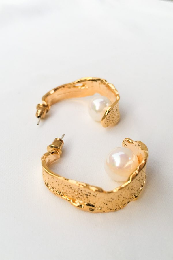 SKYE San Francisco SF California shop ethical sustainable modern minimalist quality women jewelry Margo 18K Gold Pearl Hoop Earrings 4