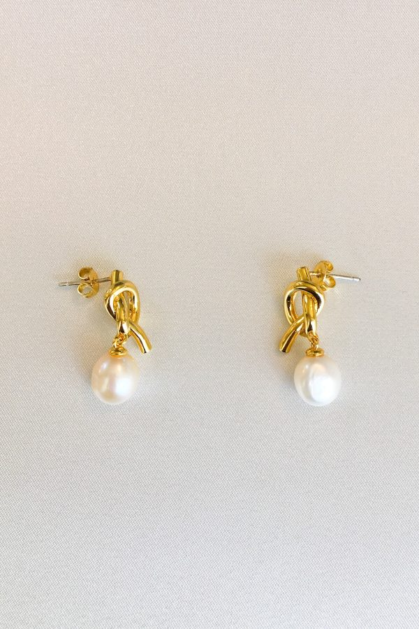 SKYE San Francisco SF California shop ethical sustainable modern minimalist quality women jewelry Poésie 18K Gold Freshwater Pearl Earrings Knot 3