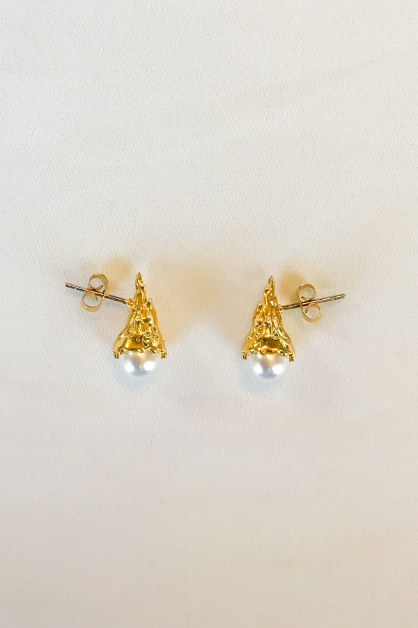 SKYE San Francisco SF shop ethical sustainable modern minimalist luxury women jewelry Spring 2020 Megève 18K Gold Pearl Stud Earrings