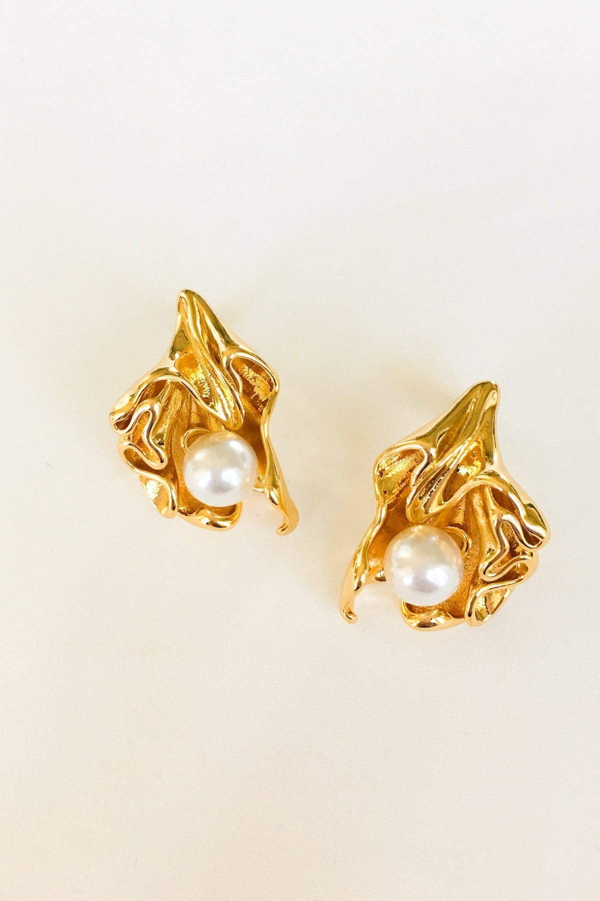 SKYE San Francisco SF California shop ethical sustainable modern minimalist luxury women French Parisian chic jewelry Spring 2020 Marseille 18K Gold Pearl Earrings 2