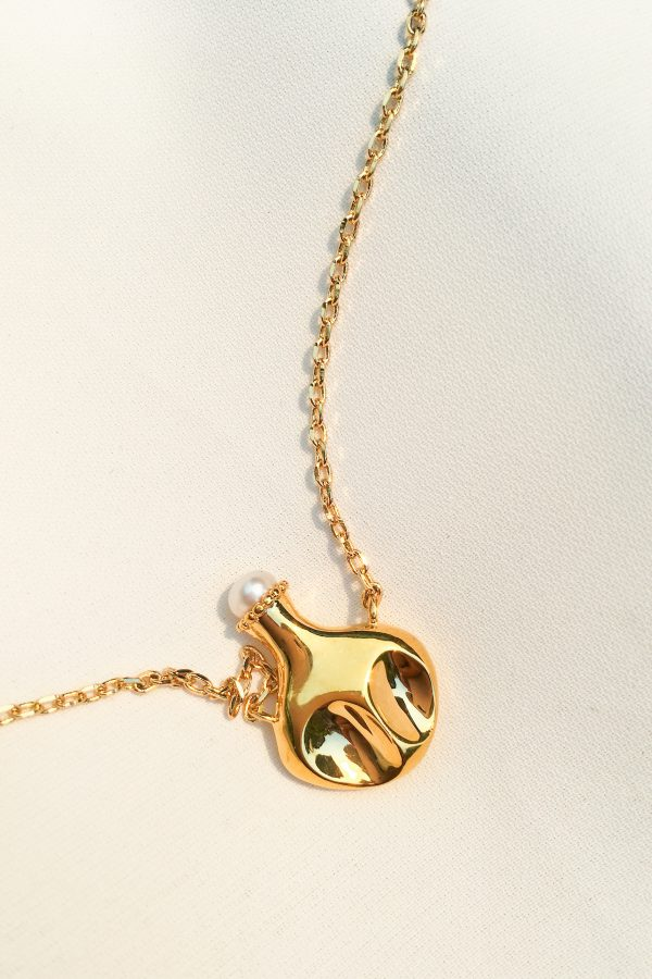 SKYE San Francisco SF California shop ethical sustainable modern chic designer women jewelry Hermione 18K Gold Freshwater Pearl Necklace