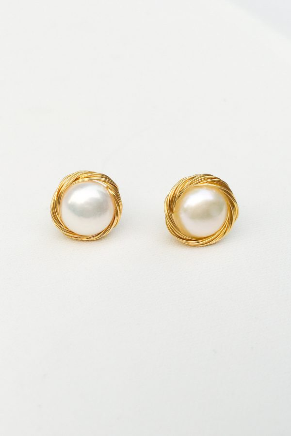 SKYE San Francisco SF shop ethical sustainable modern minimalist luxury women jewelry 2020 Aadi 18K Gold Freshwater Pearl Earrings