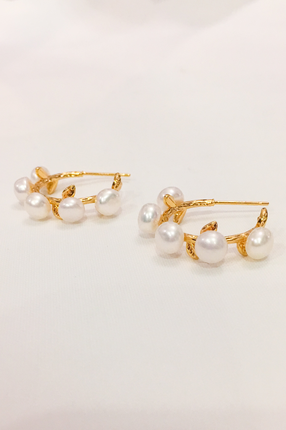 SKYE San Francisco Shop SF Chic Modern Elegant Classy Women Jewelry French Parisian Minimalist Clarice 18K Gold Pearl Hoop Earrings 4