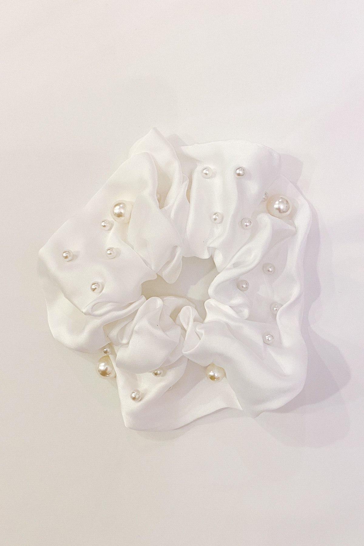 SKYE San Francisco Shop SF Chic Modern Elegant Classy Women Jewelry French Parisian Minimalist Isabella Pearl satin Scrunchie 3